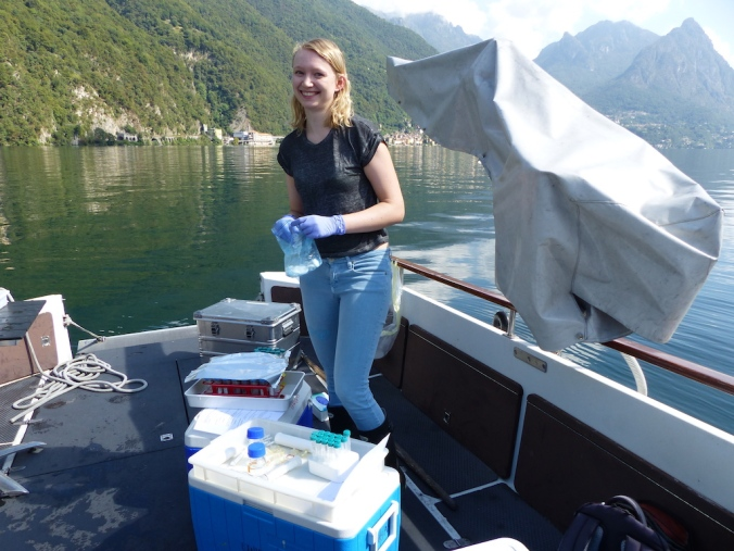 Jana Tischer sampling in Lake Lugano